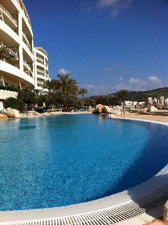 Radisson Blu Resort & Spa, Malta Golden Sands: pool level