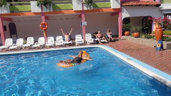 Decameron Los Cocos: floating around in the pool @ building 1