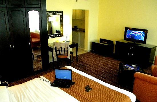 Howard Johnson Hotel Abu Dhabi: hotel room