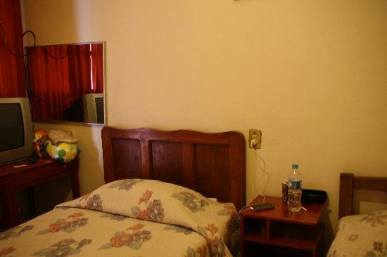 Hotel San Martin: Hotel Bed