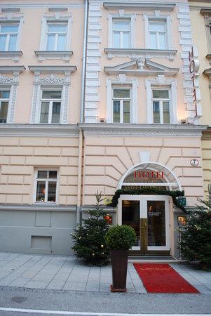 Hotel Wolf-Dietrich: Hotel Entrance