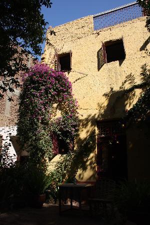 La Maison de Pythagore: une chambre vue de la cour