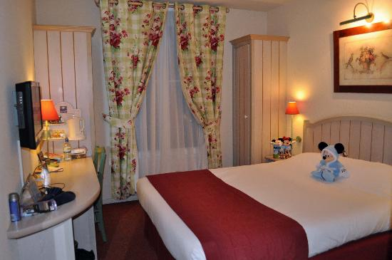 Kyriad A Disneyland Paris: Room