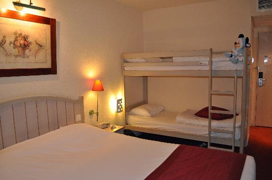 Hotel Kyriad Paris Disneyland: Bunk beds