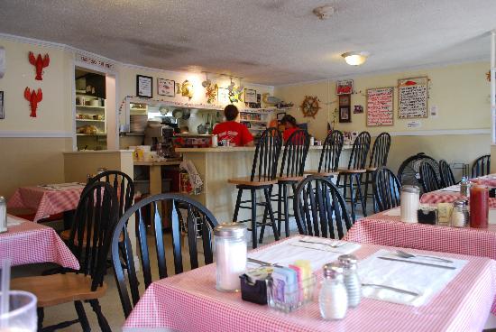 Red Skiff Restaurant: interno locale