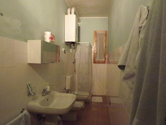 B&B Al Fluviale: bagno interno alla stanza PIANO TERRA