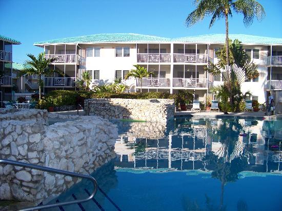 7 Mile Beach Resort and Club: Hotel
