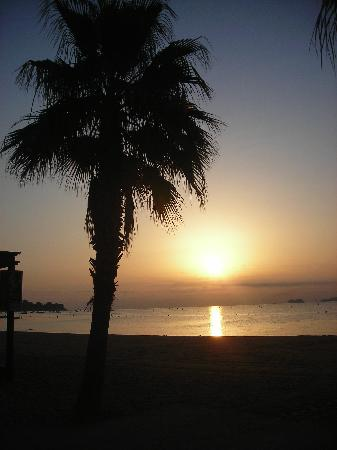 BJ Riviera Holidays: luci dell' alba