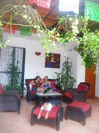 Catedral Vallarta Boutique Hotel: in the open courtyard of the hotel