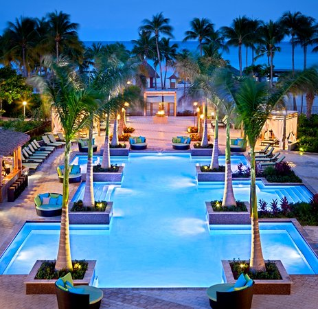 Aruba Marriott Resort & Stellaris Casino: Aruba Marriott's adults-only pool H20asis