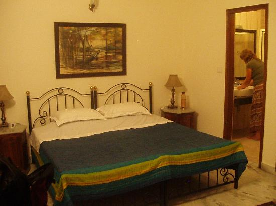 Saubhag Bed and Breakfast: The blue room