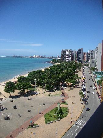 Meireles Beach: Praia de Meireles, sem as barracas da feira