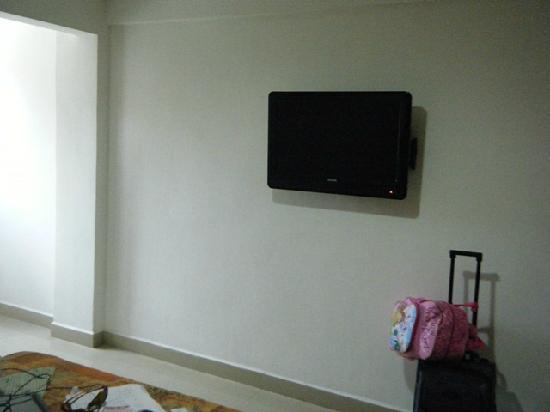 Suites Gaby Hotel: TV