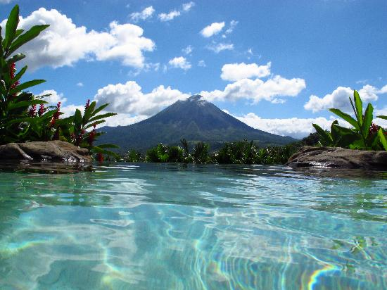 The Springs Resort and Spa : Volcano view from the main pool