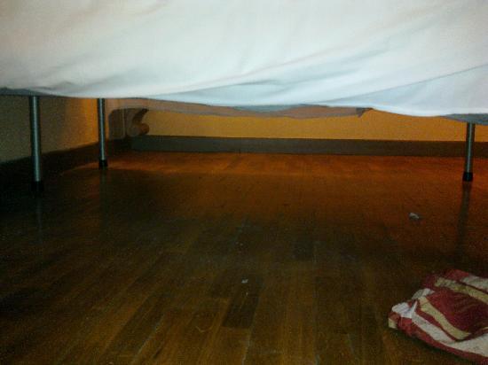 Hotel Unicorno: .... per farvi vedere che era semplicissimo pulire