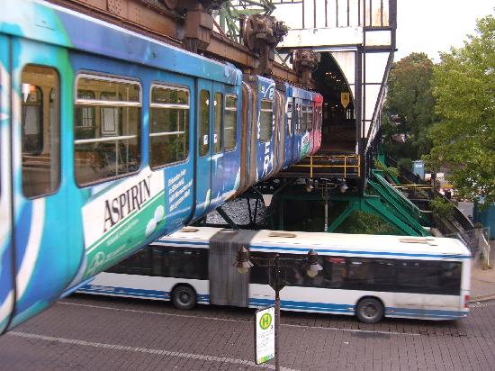 The Wuppertal Suspension Railway : End of the track at Oberbarman Berliner Platz