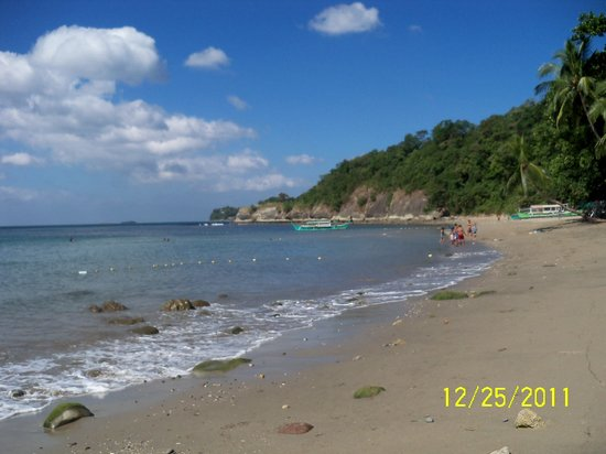 San Juan, Philippines: the beach at Munting Buhangin
