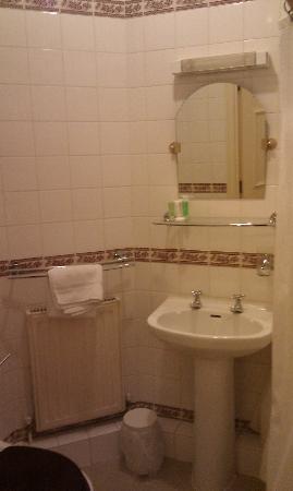 Best Western The Hotel Hatfield : Bathroom