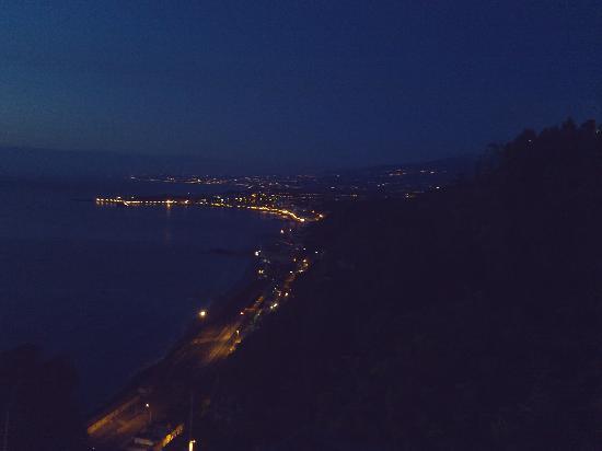 Meridiana Hotel Taormina: View #2 - right side