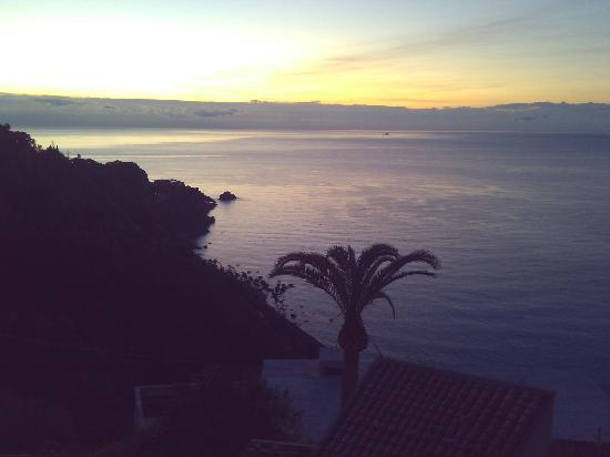 Meridiana Hotel Taormina: View #3 - left side