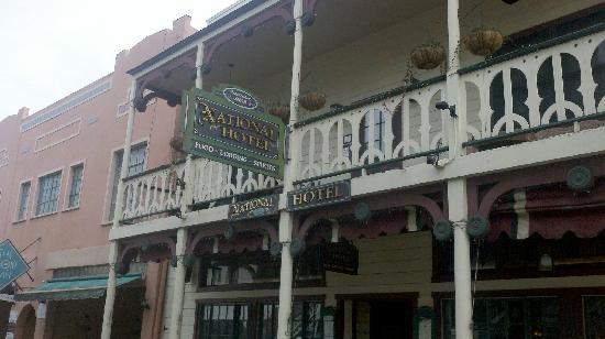 Jamestown, Kaliforniya: The front of the historic National Hotel