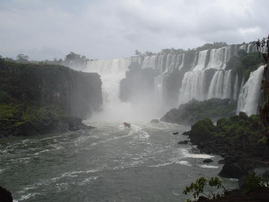Puerto Iguazú Arts and Crafts Market: Parque Nacional Argentino