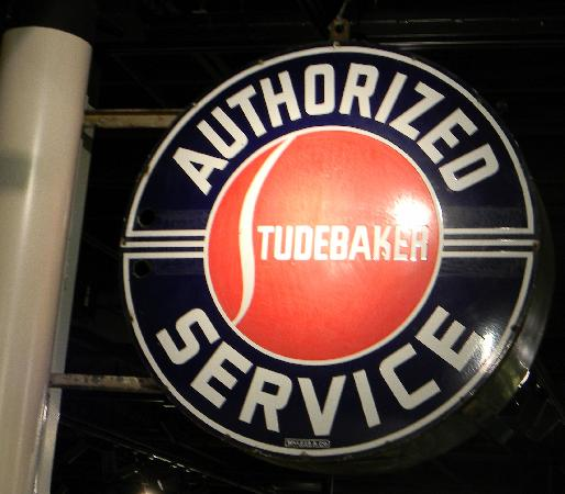 ‪‪Studebaker National Museum‬: Service Sign‬