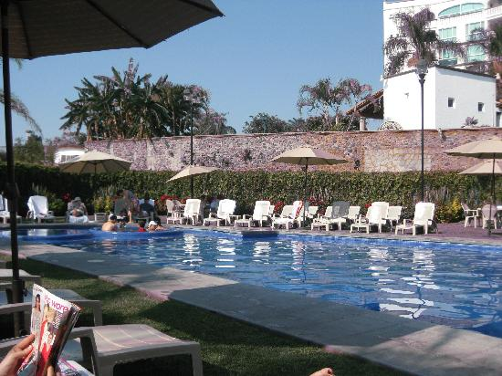 Fiesta Inn Cuernavaca: View of the pool