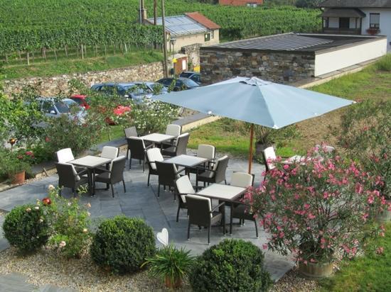 Hotel Garni Weinberghof & Weingut Lagler: Terrasse principale pour déguster le vin du domaine