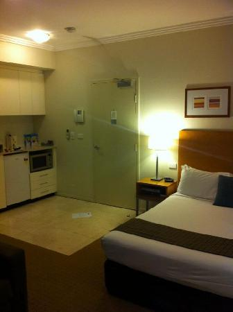 APX Apartments Darling Harbour: Our room - 2nd floor