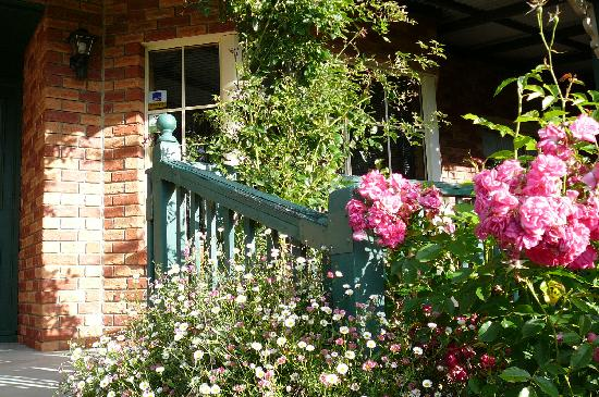 Green Gables B&B : Steps to entrance