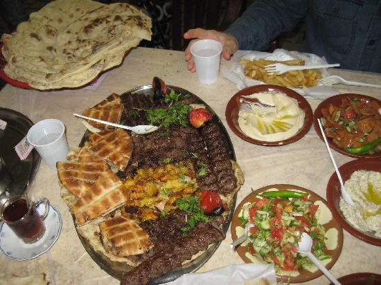 คูเวตซิตี, คูเวต: comida tipica