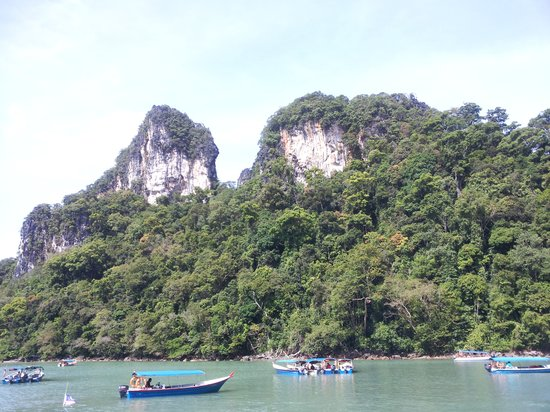Island Hopping Tour with Ana, Langkawi