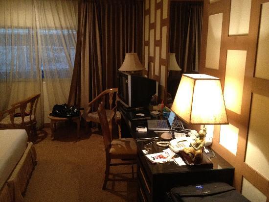 The Tarntawan Hotel Surawong Bangkok: a Deluxe Room