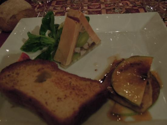 Les Gentianettes Hotel: la pyramide de foie gras (attente 15 minutes ) pour avoir le toast