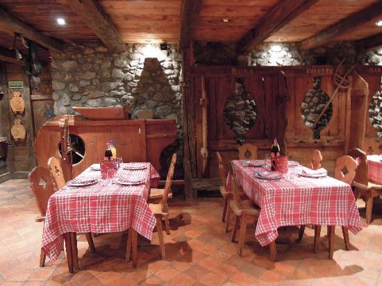 Hotel Les Cornettes: la salle du bas à la ferme de gaby