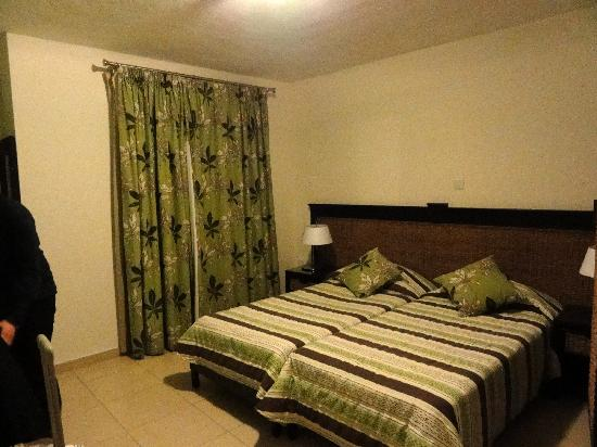 Rocca Nettuno suites : Chambre