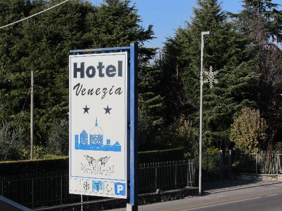 Hotel Bardolino: Insegna esterna