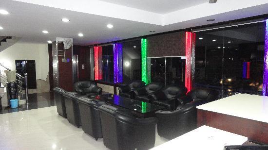 Hotel Grace: Reception
