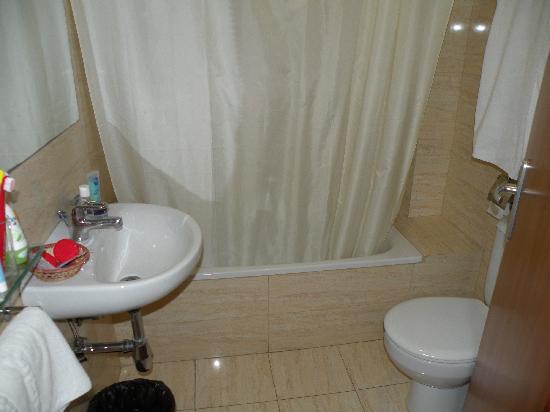 Coronado Hotel: Bathroom