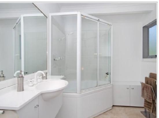 South Pacific Resort Noosa: the private spa bath!