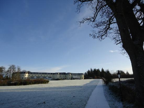 Bloomfield House Hotel, Leisure Club and Spa: l'hotel, vue par le lac