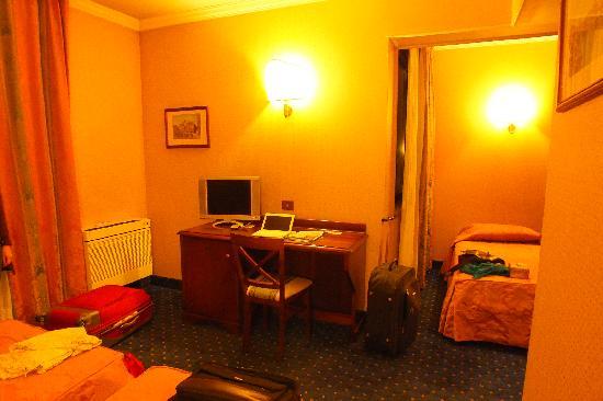 Appia Park Hotel: Habitación triple
