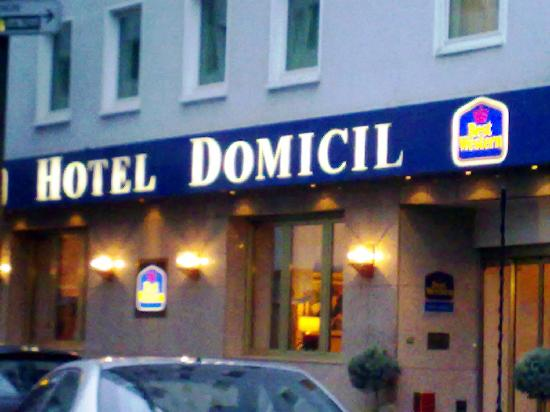 Favored Hotel Domicil: L'entrata