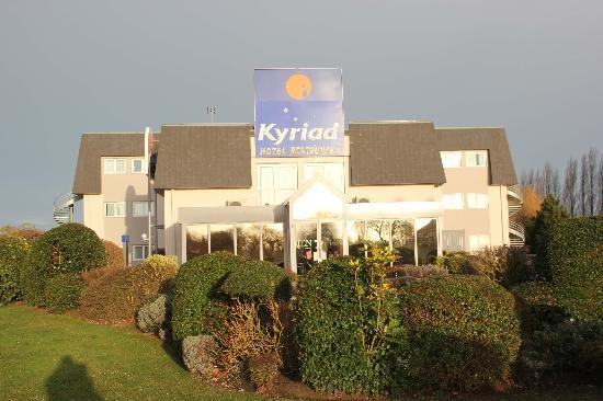 Kyriad Deauville - Saint Arnoult : La façade