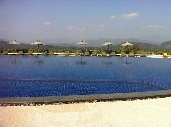 Luang Prabang View Hotel: serious pool and view