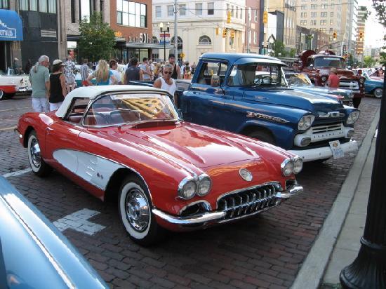 Historic Saginaw Street: Another beautiful Chevy... Corvette