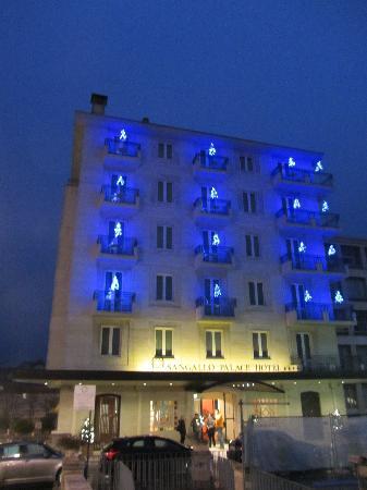 Sangallo Palace Hotel: l'albergo con le decorazioni di NAtale