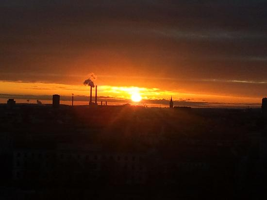 Hotel Am Parkring: Sunrise from our balcony December 25