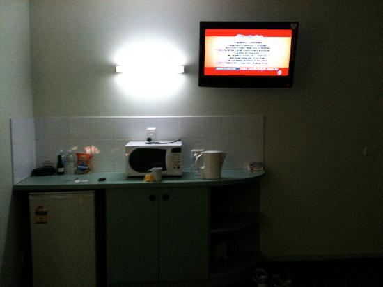 Best Western Hospitality Inn Geraldton: TV